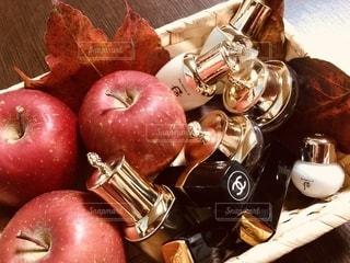 赤,クリーム,美容,リップ,コスメ,化粧品,化粧水,リンゴ,オイル,乳液