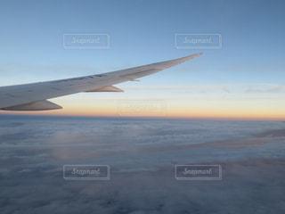 空の旅,夕焼け小焼け,雲の上の夕焼け,B787の美しい翼,日本のどこかの空,また見たい景色,飛行機好き