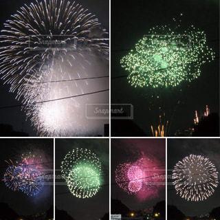 空に花火の写真・画像素材[1311642]