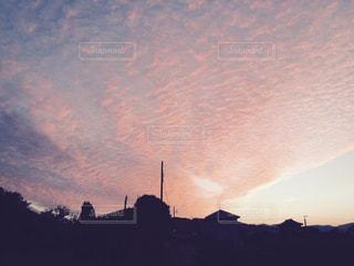 夕日 薄紅色