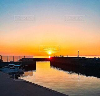 自然,夕日,雲,夕暮れ,船,港,田舎町