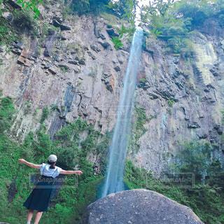 自然,夏,後ろ姿,景色,滝,洋服