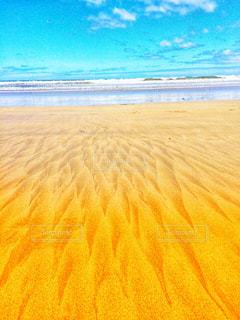 波のサインの写真・画像素材[1390078]