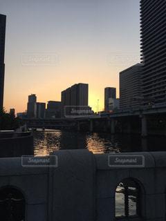 夕日,大阪,雲,夕焼け,景色,夕陽,淀屋橋,北浜,色・表現,感覚・感情