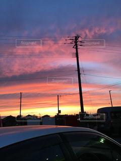 夕暮れ時の都市の景色の写真・画像素材[1862080]