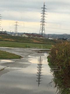 水たまり,鉄塔,雨上がり,梅雨