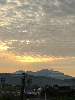 空,太陽,雲,散歩,山,景色,シルエット,金色,神々しい,粟ヶ岳