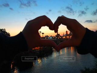 風景,夕日,カップル,夕焼け,水辺,景色,ハート,ラブ