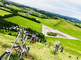 モエレ山と自転車の写真・画像素材[1404367]