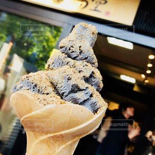 黒ごまアイスクリームの写真・画像素材[1386943]