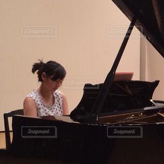 女性,室内,ライト,ピアノ,勉強,練習