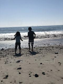 2人,海,ビーチ,青空,砂浜,波,子供