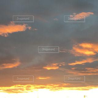 自然,空,屋外,太陽,雲,夕暮れ,景観,色・表現,感覚・感情