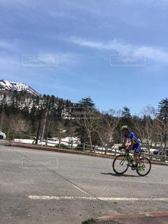 空,青空,チーム練習,サイクルロードレース,スポーツ自転車