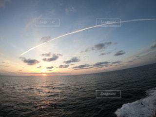 夕日,夕暮れ,ひこうき雲,太平洋