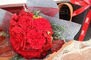 真っ赤なプレゼントの写真・画像素材[2836143]