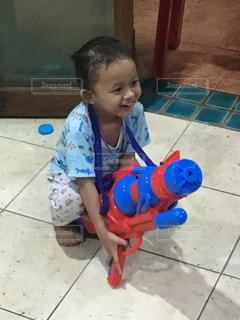 子供,水遊び,水鉄砲