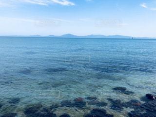 水の大きな体の写真・画像素材[1328374]