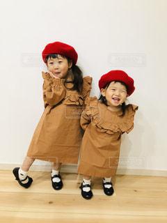 ファッション,秋,スマイル,女の子,ベレー帽,キッズファッション,笑顔,可愛い,kids,姉妹,にこにこ,1歳,お揃い,3歳,秋色,リンクコーデ,お揃いコーデ,秋コーデ,姉妹リンクコーデ