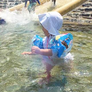 夏,川,子供,夏休み,浮き輪,川遊び