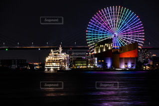 夜の街の眺めの写真・画像素材[2718541]
