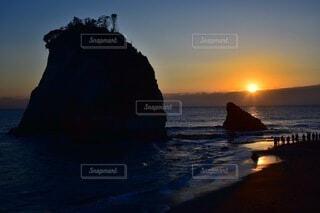 自然,風景,海,太陽,朝日,雲,水面,海岸,朝焼け,岩,正月,お正月,日の出,千葉,新年,初日の出,岬,房総,上総