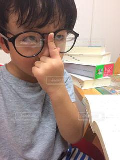 4歳。字を読みたい。の写真・画像素材[1349909]