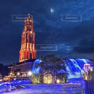 そびえ立つ大きな時計塔の写真・画像素材[4069450]