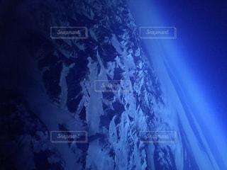 雪に覆われた斜面の写真・画像素材[1368427]