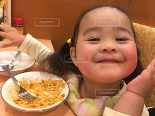 食べてる時hsしあわせ!の写真・画像素材[1590686]