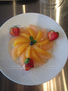 オレンジ,いちご,苺,デザート,果物,果実,グレープフルーツ,カット,白いお皿