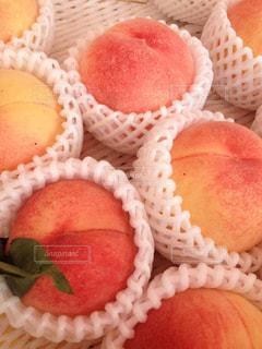 フルーツ,果物,みずみずしい,果実,山梨,桃,箱入り,丸ごと
