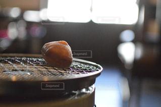 アラジンストーブの上で寒餅焼いてますの写真・画像素材[1743202]