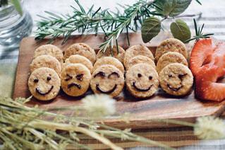 ふと笑顔になれるクッキー作ってみた 今日のおやつの写真・画像素材[4380653]