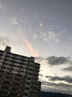 夕日に照らされた龍雲の写真・画像素材[4156178]