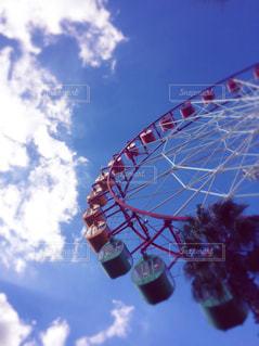 空,秋,乗り物,屋外,赤,雲,青,観覧車,秋空,景観,ビッグホップ