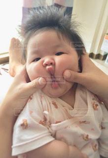 子供,女の子,人,赤ちゃん,幼児,驚き,出産,びっくり