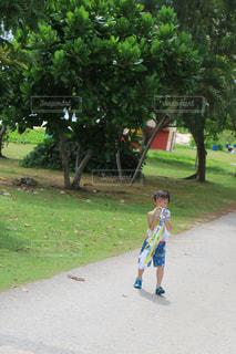 子ども,屋外,きれい,暑い,水色,うみ,樹木,遊ぶ,人物,グアム,少年,熱中症,気をつけて,夏コーデ,暑さに負けない,負けずに