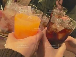 オレンジ,グラス,コーラ,乾杯,ドリンク,忘年会,飲み,同級生