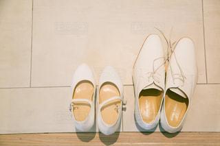 靴,屋内,白,結婚式,仲良し,デザイン,衣装,ホワイト,新郎新婦,ハイヒール,シューズ,ウェディング,履物
