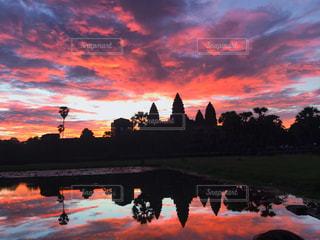 風景,空,海外,水面,世界遺産,アジア,景色,美しい,朝焼け,旅行,遺跡,朝,カンボジア,海外旅行,観光スポット,歴史的建造物,アンコールワット,シェムリアップ,フォトジェニック