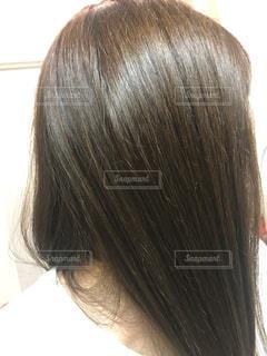 トリートメント後の女性の髪の毛の写真・画像素材[2504065]