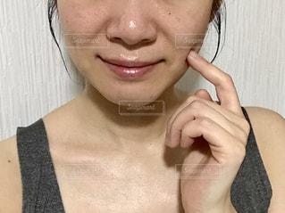 女性の顔のアップ。加工なしの写真・画像素材[1743504]