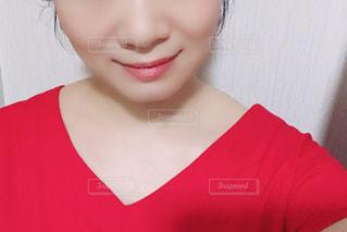 女性の顔のアップの写真・画像素材[2167798]