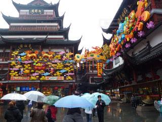 建物,雨,傘,赤,カラフル,提灯,人,上海