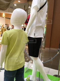 緑,白,親子,マネキン,服,店内,ディスプレイ,半袖