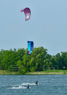 空,緑,赤,青,水,波,水滴,川,ウォータースポーツ