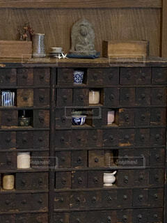 大きな木製の棚の写真・画像素材[4148672]