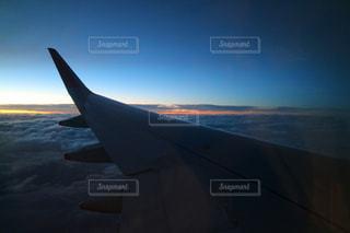空,夜,ピンク,夕焼け,飛行機,未来,雲海,夕陽,翼,夢,ポジティブ,目標,前向き,可能性