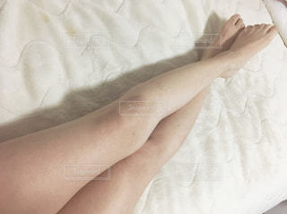 女性,足,太もも,部屋,室内,脚,美容,ダイエット,スタイル,体重管理